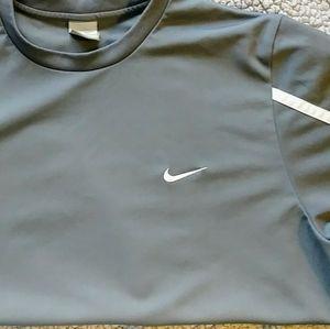 NIKE Athletic Sports Shirt